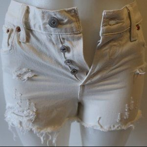 LEVI'S WHT DISTRESSED CUT OFF BUTTON FLY SHORTS 26